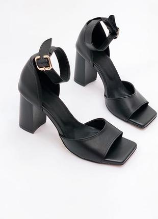 36-40 рр босоножки с закрытой пяткой на устойчивом каблуке черные натуральная кожа