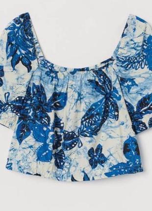 Блуза с квадратным вырезом