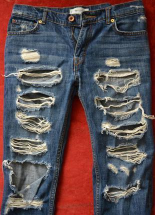 Очень стильные рваные джинсы mango с дырками и потертостями, 34р.