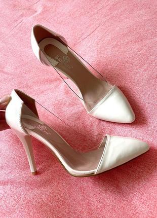 Напівпрозорі туфлі-лодочки🤍
