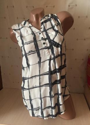 Легкая рубашка блуза без рукавов в ктетку