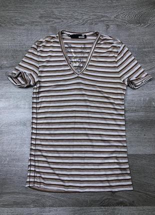 Харизматичная футболка с мысом moschino