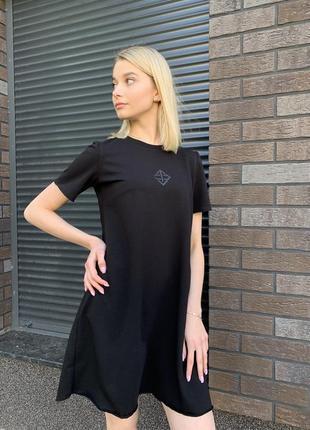 Практичное легкое платье из натуральной хлопковой ткани