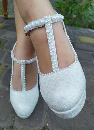 Туфли на каблуке,туфлі на каблуку