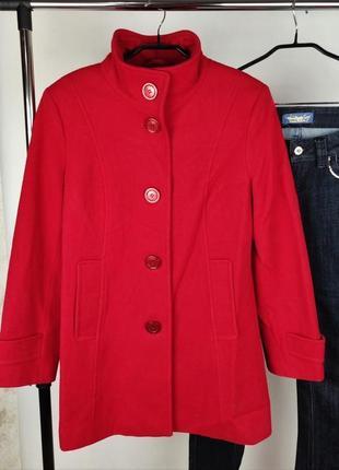 Стильное красное пальто busy made in eu шерсть этикетка