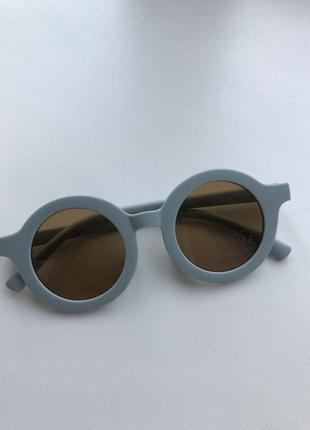 Детские солнцезащитные очки ,дитячі сонцезахисні окуляри