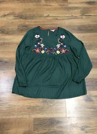 Красивейшая зелёная блуза с вышивкой