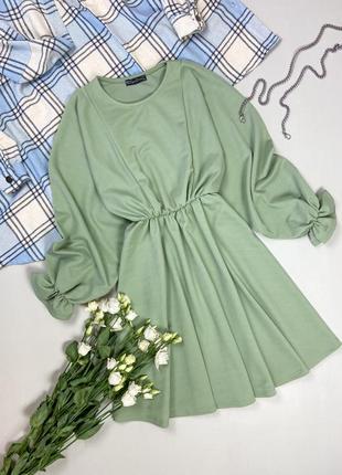 Базовое свободное платье фисташкового цвета