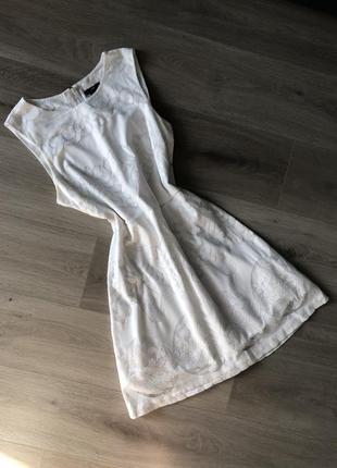 Белое платье свободного кроя h&m