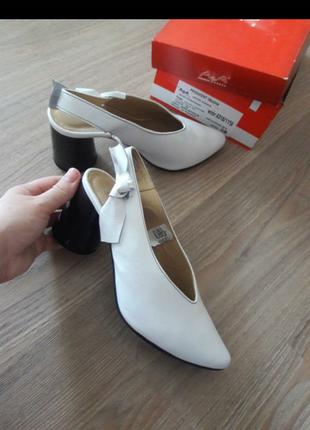 Шкіряні круті туфлі польща