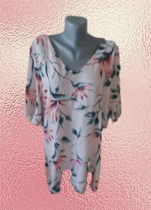 Роскошная вискозная блузка с красивой спинкой
