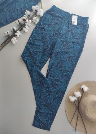 Натуральные, лёгкие брюки