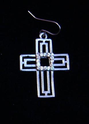 Серьга-крест, серьга с подвеской крестом