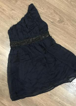 Платье на одно плече