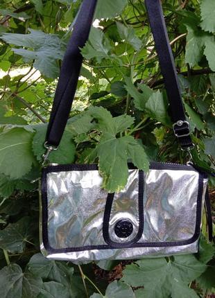 Kipling серебристая сумочка новая модель