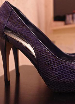 Шкіряні туфлі в ідеальному стані