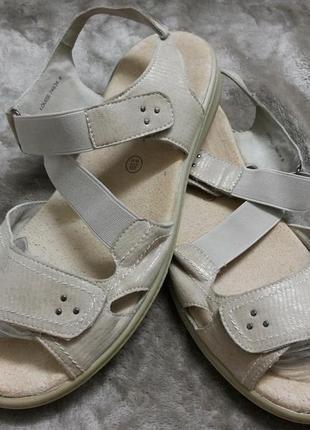 Босоножки,сандали кожаные жен.41-42р. padders англии