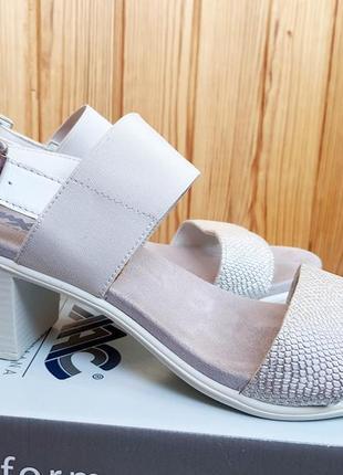 Итальянские комфортные босоножки на блочном каблуке