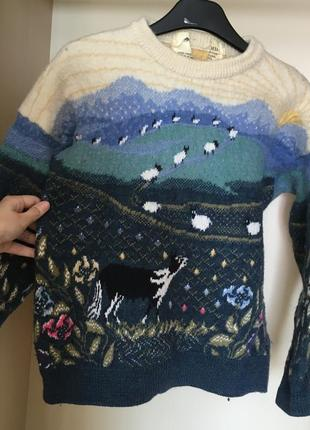Пестрый свитер