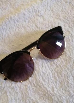 Женские солнечные очки5 фото