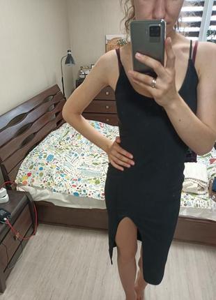 Изящное черное вечернее платье