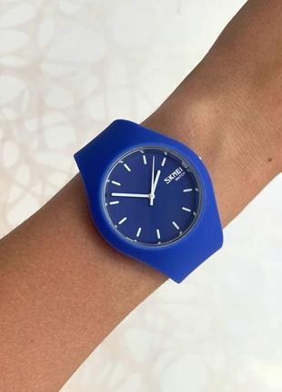 Женские синие часы силиконовые skmei скмей софт тач синего цвета электрик
