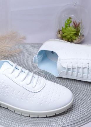 Белоснежные кеды-кроссовки для взрослых и подростков !2 фото