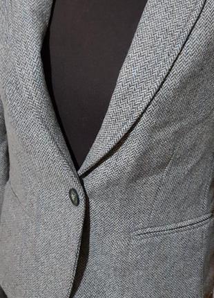 Стильный модный пиджак