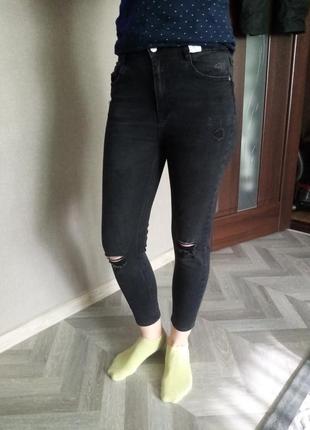 Стрейчевые джинсы, размер м