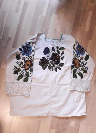 Старовинна буковинська сорочка, вишита дрібним бісером