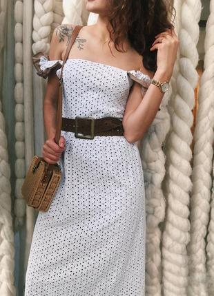 Стильна літня сукня з вишивкою