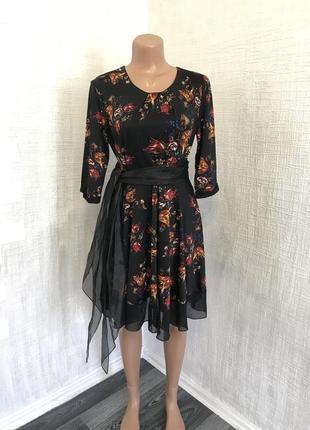 Шикарное яркое и  легкое платье цветочный принт