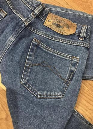 Плотные синие винтажные мом джинс fit свободного кроя с разрезами