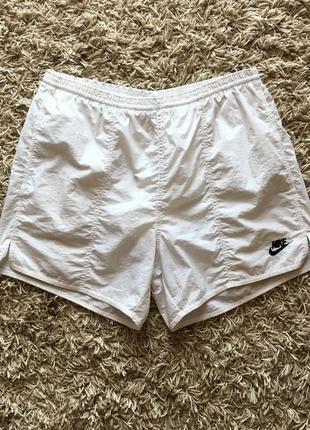 Белые винтажные нейлоновые шорты nike оригинал