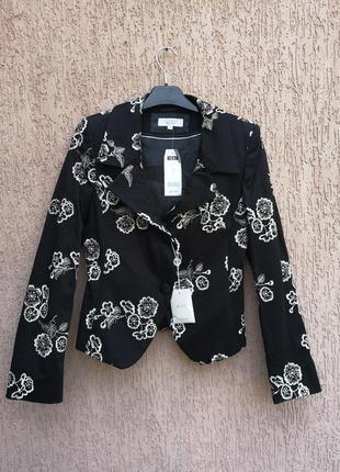 Новый пиджак с вышивкой next