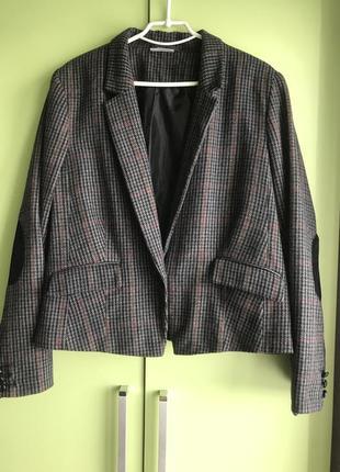 Трендовый укорочённый пиджак в клетку,32% шерсть