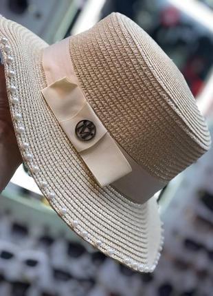Пляжная летняя шляпа