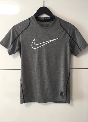 Компресійна футболка nike