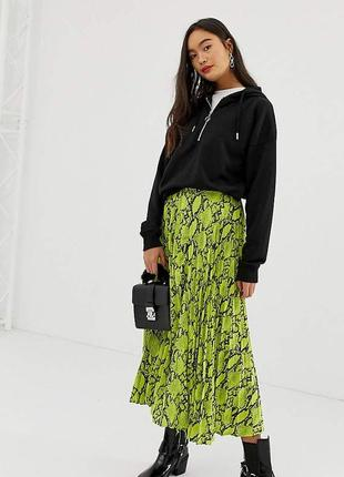 Неоновая плиссированная юбка-миди в принт змеи с сайта asos как h&m zara в идеале