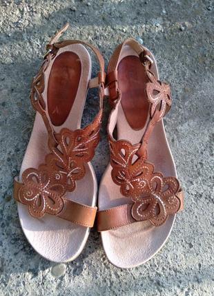 Р.38 pikolinos (оригинал) кожаные босоножки сандалии.