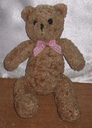 Игрушка мягкая, мишка коричневый с бантиком. размеры – 12 см * 20 см