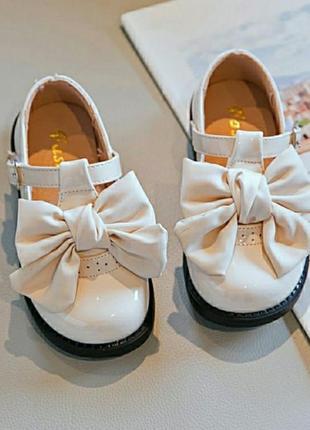 Очень красивые туфли на девочек