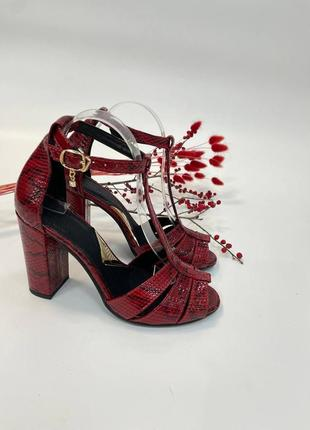 Эксклюзивные босоножки женские натуральная итальянская кожа рептилия красные на каблуке