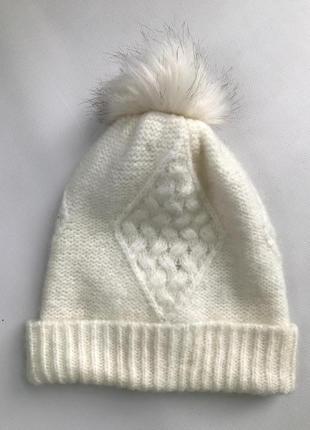 Модная, тепленькая шапка, французского бренда promod.