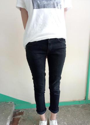 Прямые плотные джинсы от zara