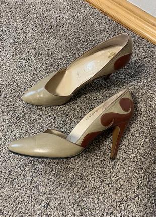 Классные кожаные туфли с узором 🛍
