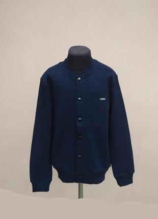 Крутий трендовий джемпер на кнопках темно синього кольору хлопчику