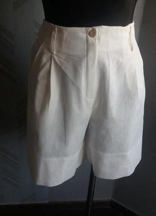 Лляні шорти жіночі.