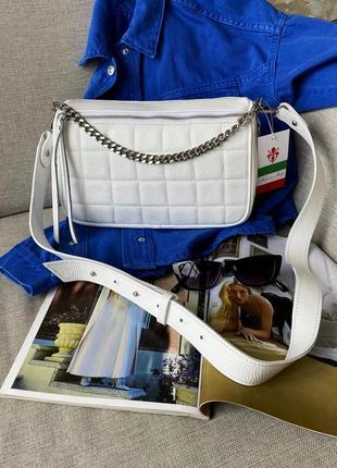 Женская белая среднего размера кожаная шкіряна сумка с широким ремнем, италия