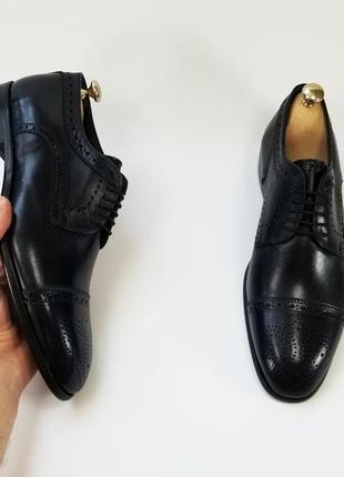 Чоловічі туфлі броги